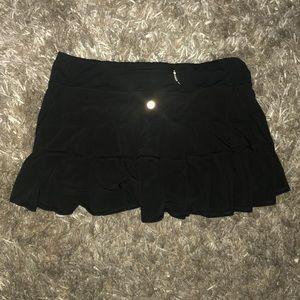 Lululemon black pace setter skirt size 8